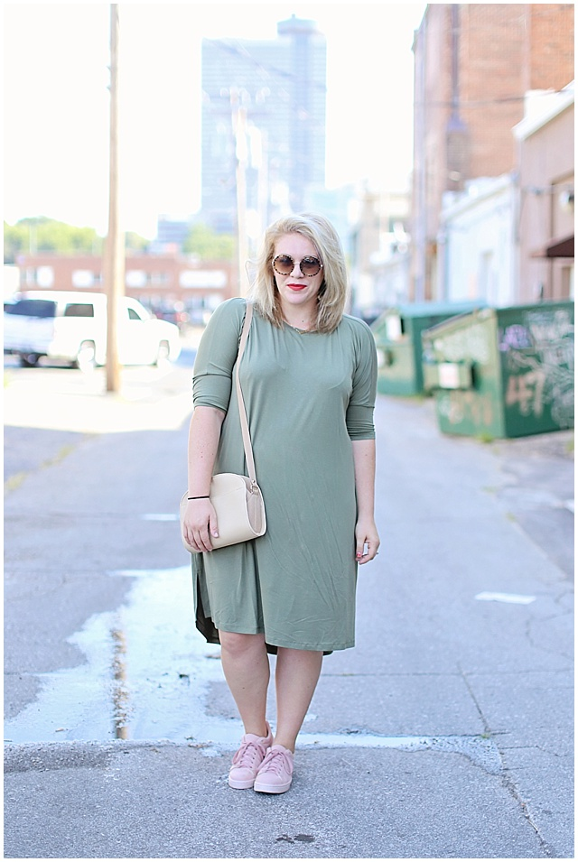 hunter green and light pink color combo for fall transition