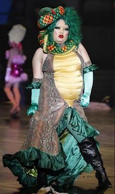Diseño de modas muy extravagante.