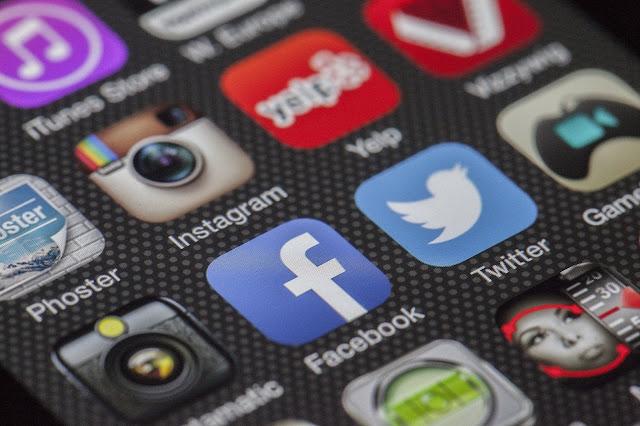 Bagaimana Mendapat Pelanggan Dari Facebook dan Twitter