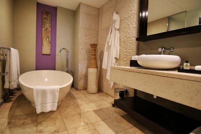 Cuarto de baño del Intercontinental Hotel Mauritius Balaclava Resort