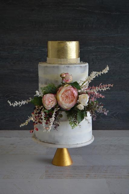 BRISBANE BESPOKE WEDDING CAKES