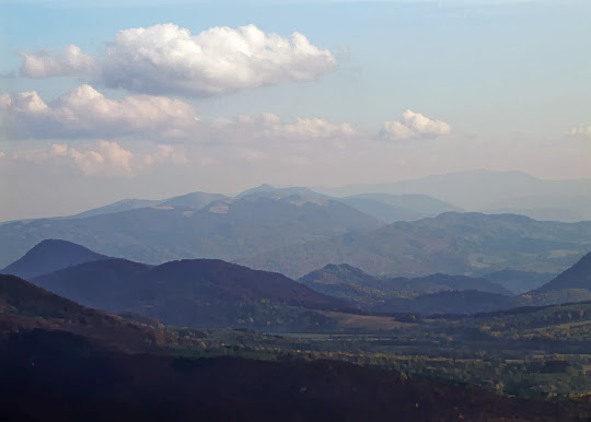 Widok na Pikuj (1408 m n.p.m.) - najwyższy szczyt Bieszczadów.