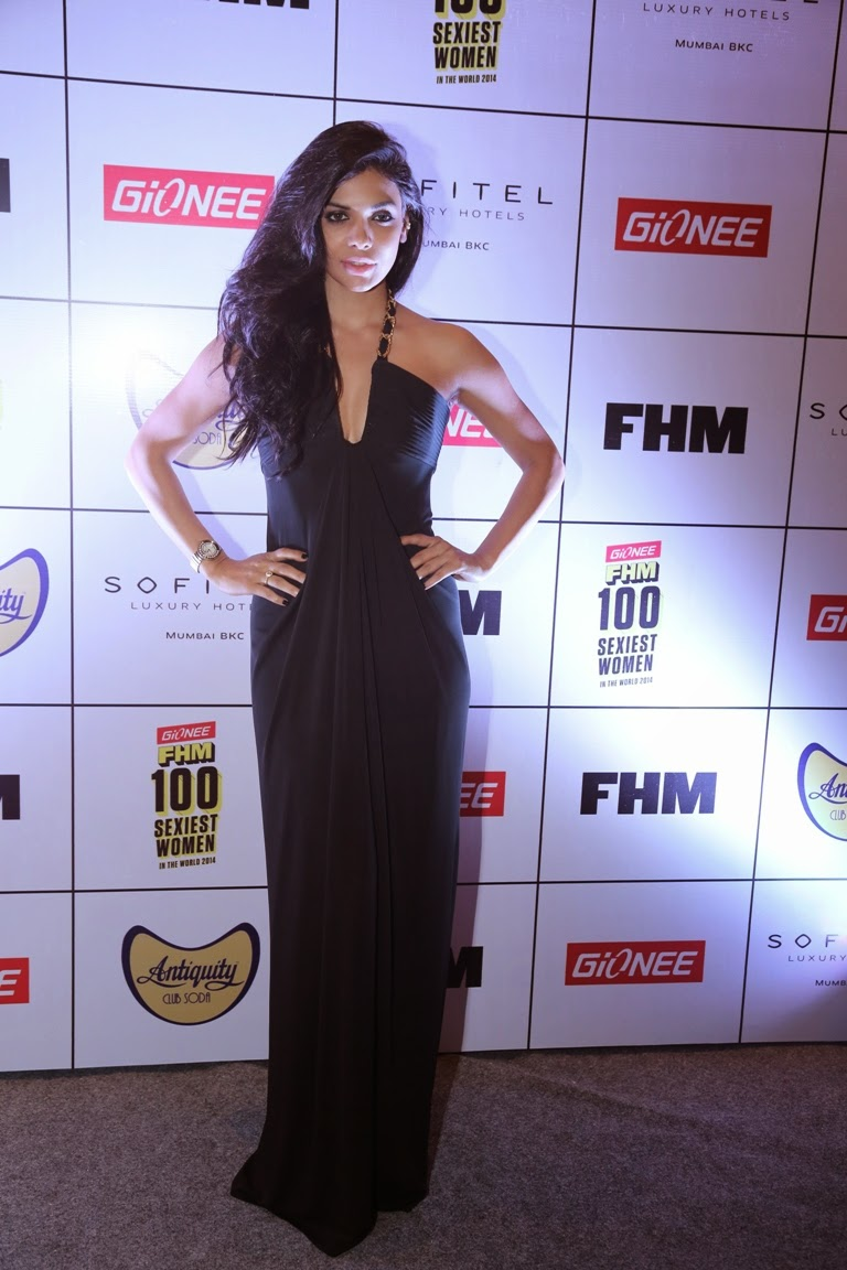 Sara Loren at Gionee FHM Sexiest 100