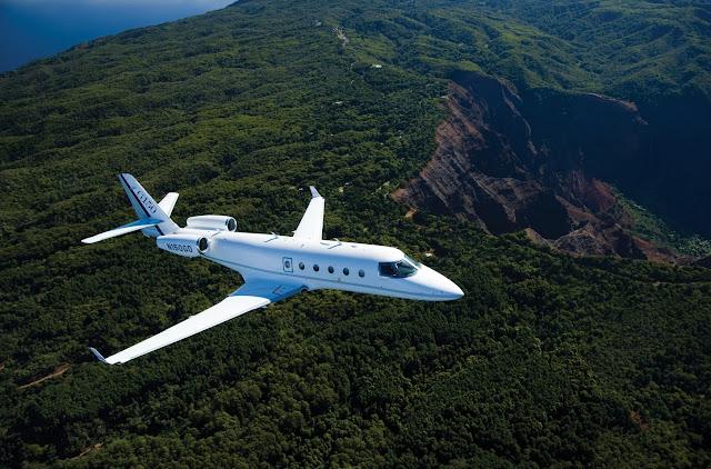 Gulfstream G150 In Flight