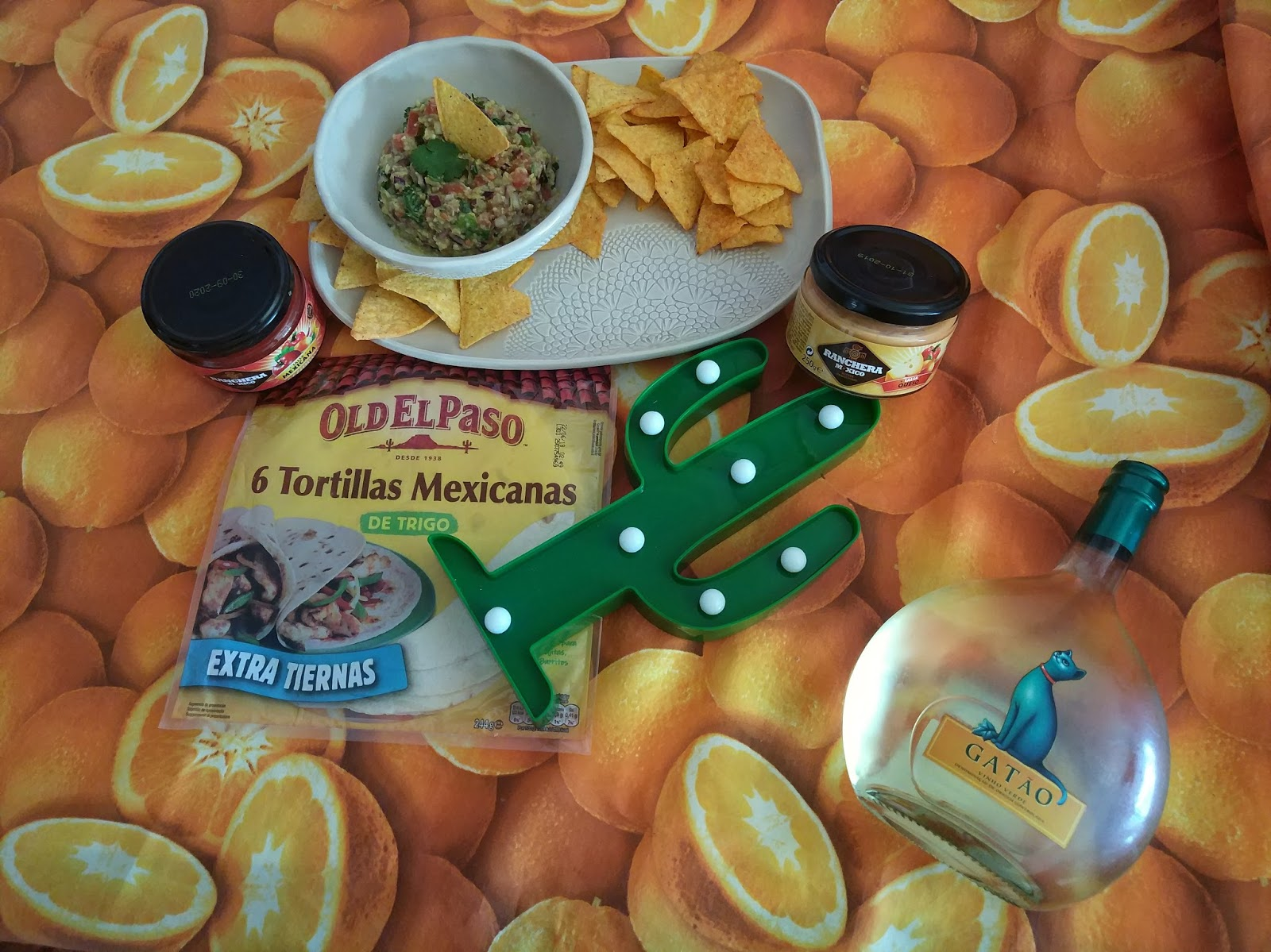 receita à casal chef + guacamole+ nachos + molho de queijo + molho mexicano + blogue de casal português + pedro e Telma + ela e ele