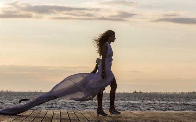 2142820e2 Μια ιδιαίτερη επίδειξη μόδας, με ρούχα από ...ανακυκλώσιμα υλικά και φόντο  το φθινοπωρινό ηλιοβασίλεμα στο Θερμαϊκό, δόθηκε στη Νέα Παραλία της  Θεσσαλονίκης ...