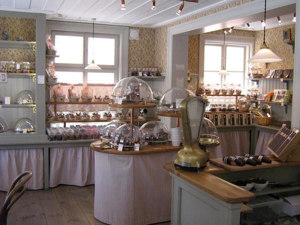 Hej Tjorven: Café & Butik Marsipangården in Trosa