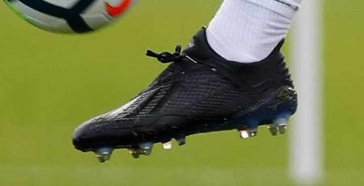 Gareth Bale wore the same cleats as all other Adidas players who trained in  the next-gen Adidas X 18.1 soccer boots. The images of Real Madrids  training ...