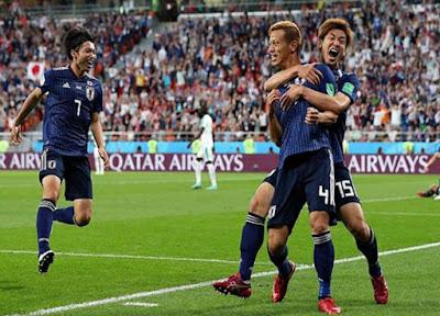 Aksi Bersih-bersih Suporter Jepang dan Senegal di Ajang Piala Dunia