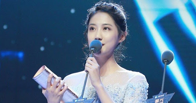 SNH48 Li YiTong wins Tencen Star Awards 2017