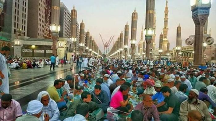 http://www.asalasah.com/2016/06/wow-300000-muslim-tiap-harinya-buka.html