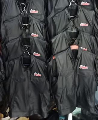 pengrajin jaket kulit rahayu leather bantul