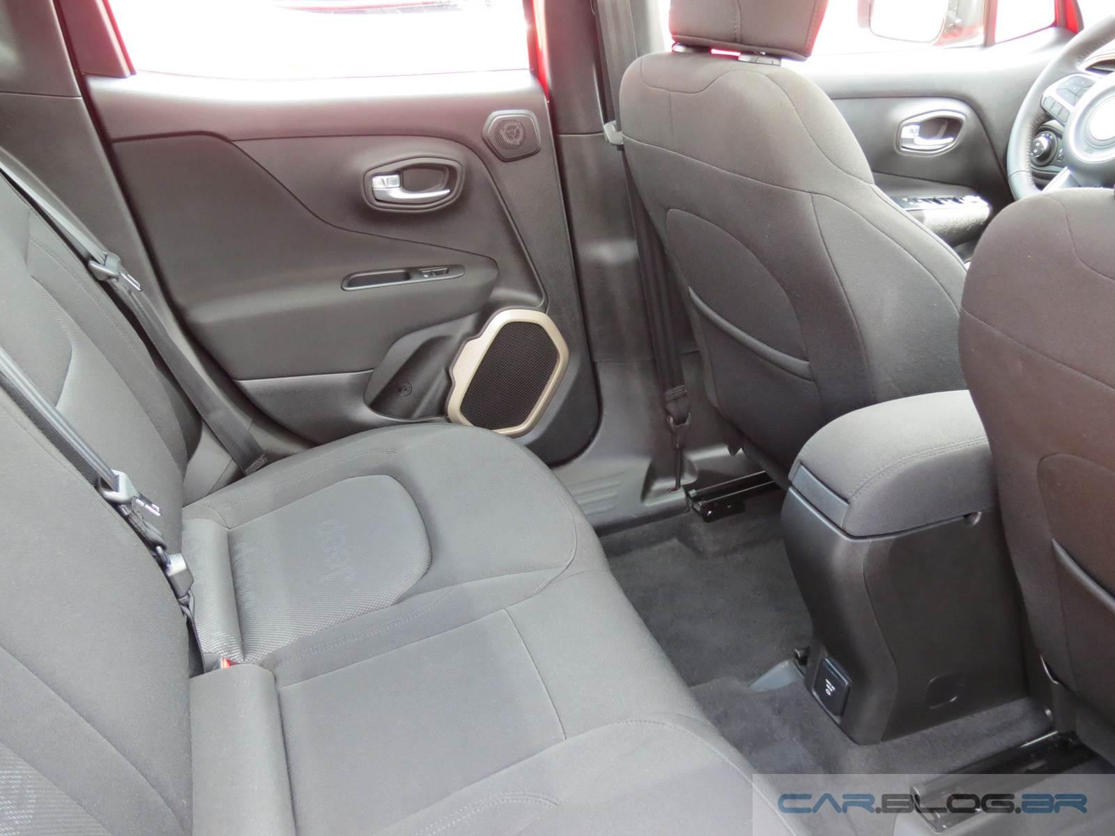 jeep renegade sport 2 0 diesel 4x4 v deo e fotos do interior car blog br. Black Bedroom Furniture Sets. Home Design Ideas