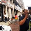 Kesal Dengan Polisi Yang Nilang Sambil Ngoceh, Pria Ini Langsung Mencium Bibir Polisi Tersebut