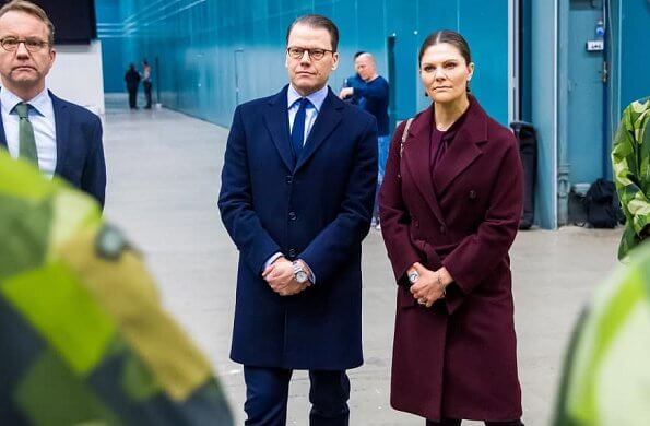 Crown Princess Victoria and Prince Daniel visited the military field hospital that has been built for coronavirus patients