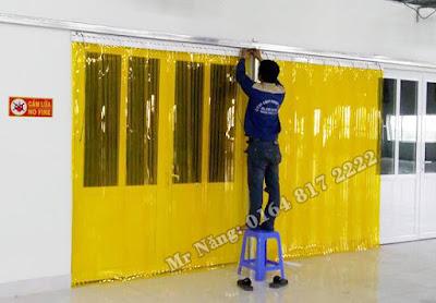Rèm ngăn cửa kho chứa hàng