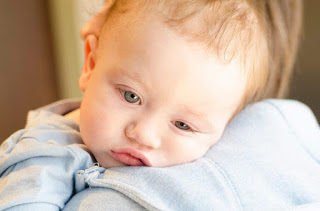 inilah alasan kenapa bayi demam setelah imunisasi