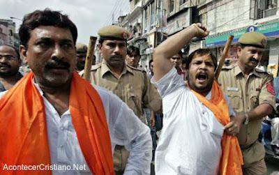 Extremistas hindúes atacan a cristianos