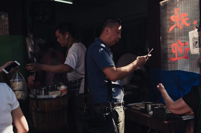 Na China urbana, o dinheiro está rapidamente se tornando obsoleto