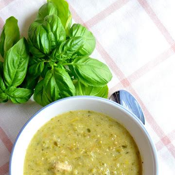 Zupa szparagowa z kurczakiem - Czytaj więcej »
