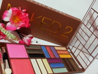 MAKE UP KIT NAKED2 8235 SERI 02