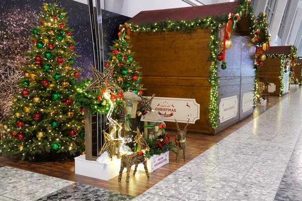 vienne aéroport décoration noël