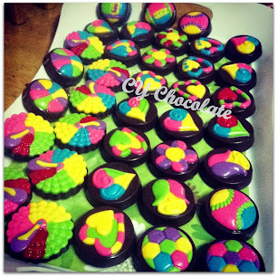 COLOURFUL OREO CHOCOLATE