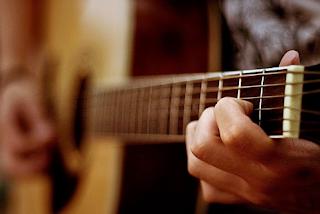 Belajar Gitar Dengan Anak