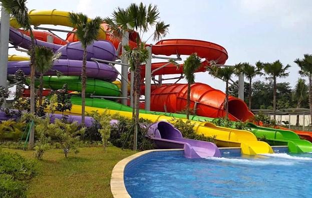 Kolam Renang Taman Keinginan Baru (THB)