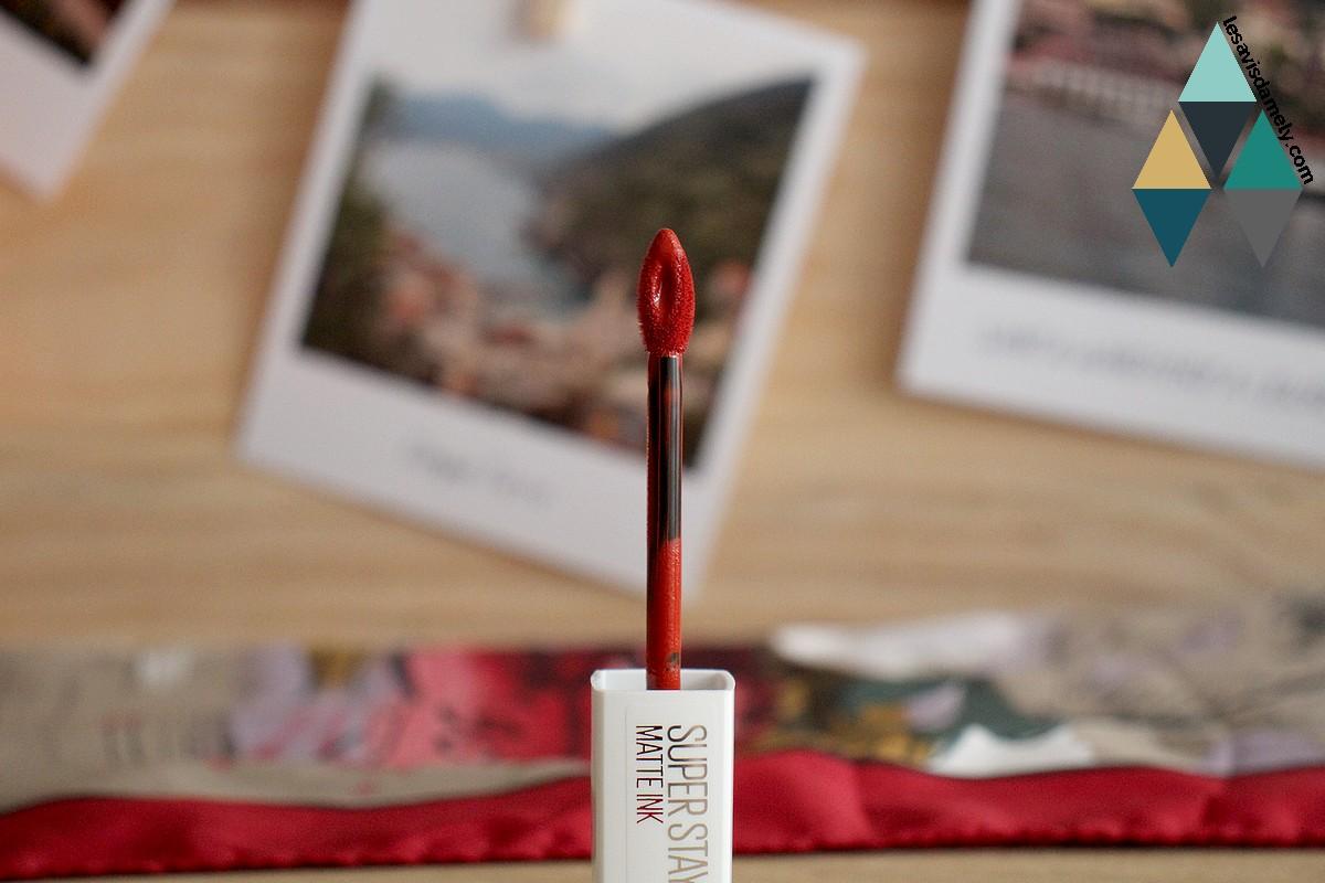 revue et test rouge à lèvres longue tenue mat et velours