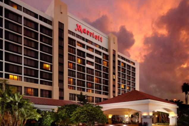 A warm Florida welcome awaits at Palm Beach Gardens Marriott. Boasting a convenient downtown location near Roger Dean Stadium, Peanut Island and Palm Beach State College, this hotel is perfect for extended-stay vacations and weekend getaways.