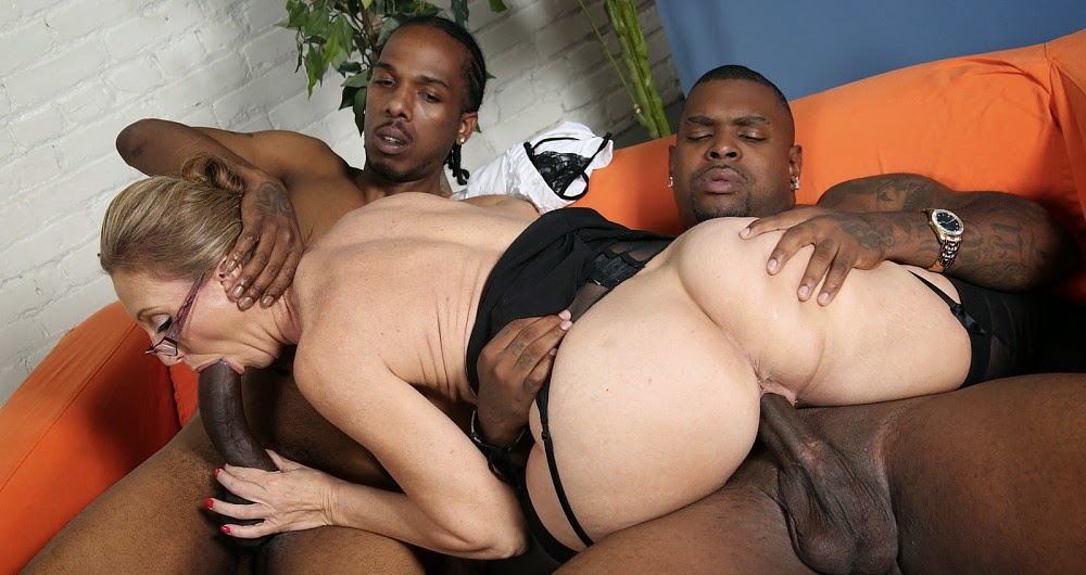 Mature interracial trio