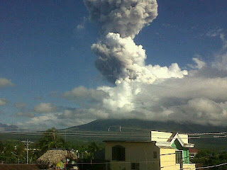 5 Dead in Mayon Volcano Eruption