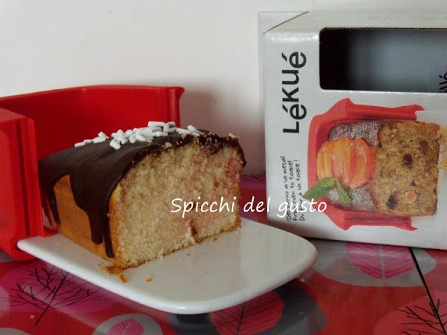 Plumcake di mandorle, cioccolato e limoncello