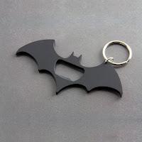 https://www.cadeauxfolies.fr/multi-outils-batman