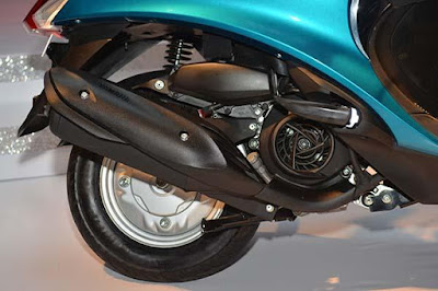 Yamaha Fascino scooter rear wheel HD image