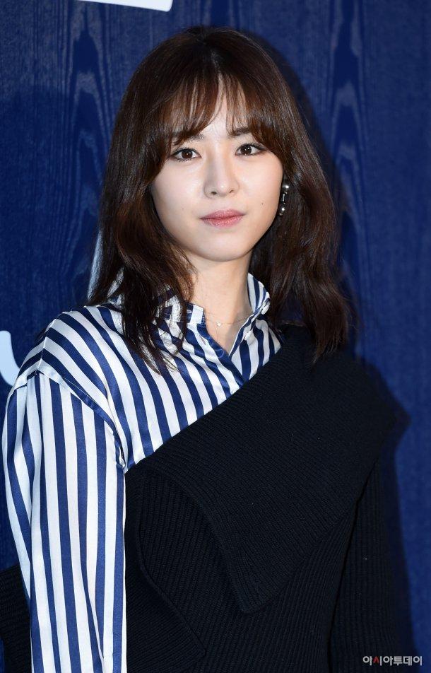 Yeon-hee Lee Nude Photos 9