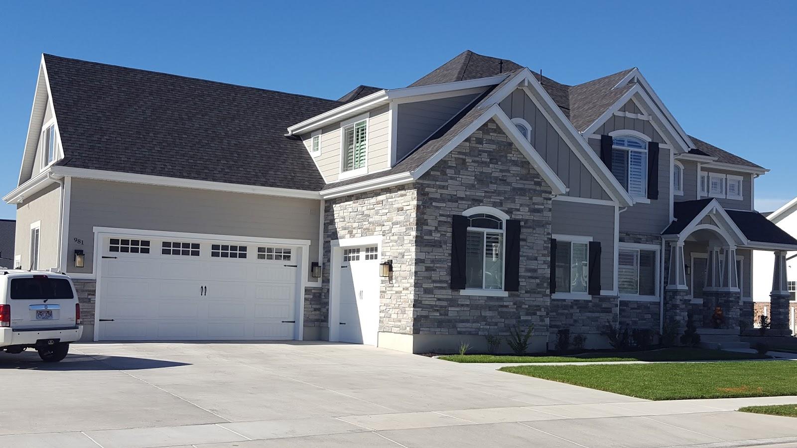 Stucco tech for Houses with stucco and siding