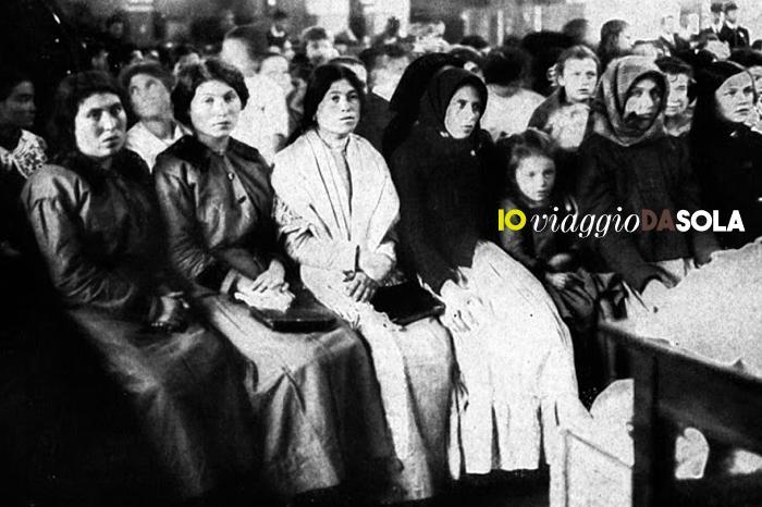 #ioviaggiodasola: 7 libri che parlano di donne in viaggio - Donne sole a Ellis Island