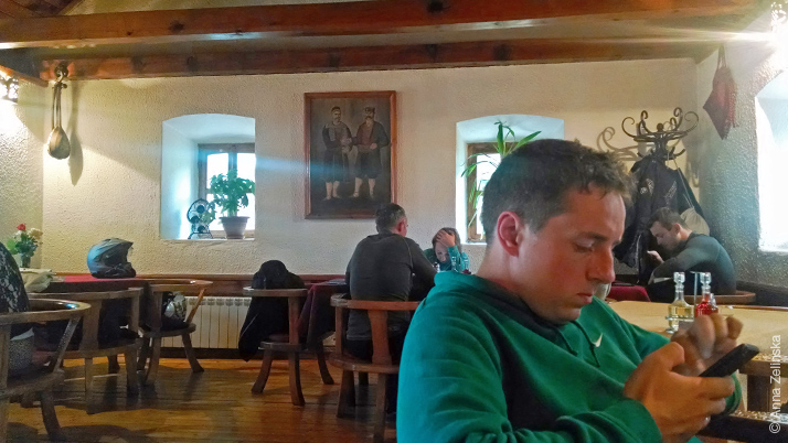 Симпатичный интерьер ресторана «Сочица», Черногория