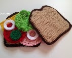 http://translate.google.es/translate?hl=es&sl=en&u=http://byjennidesigns.blogspot.com/2015/03/crochet-amigurumi-bologna-sandwich-play.html&prev=search