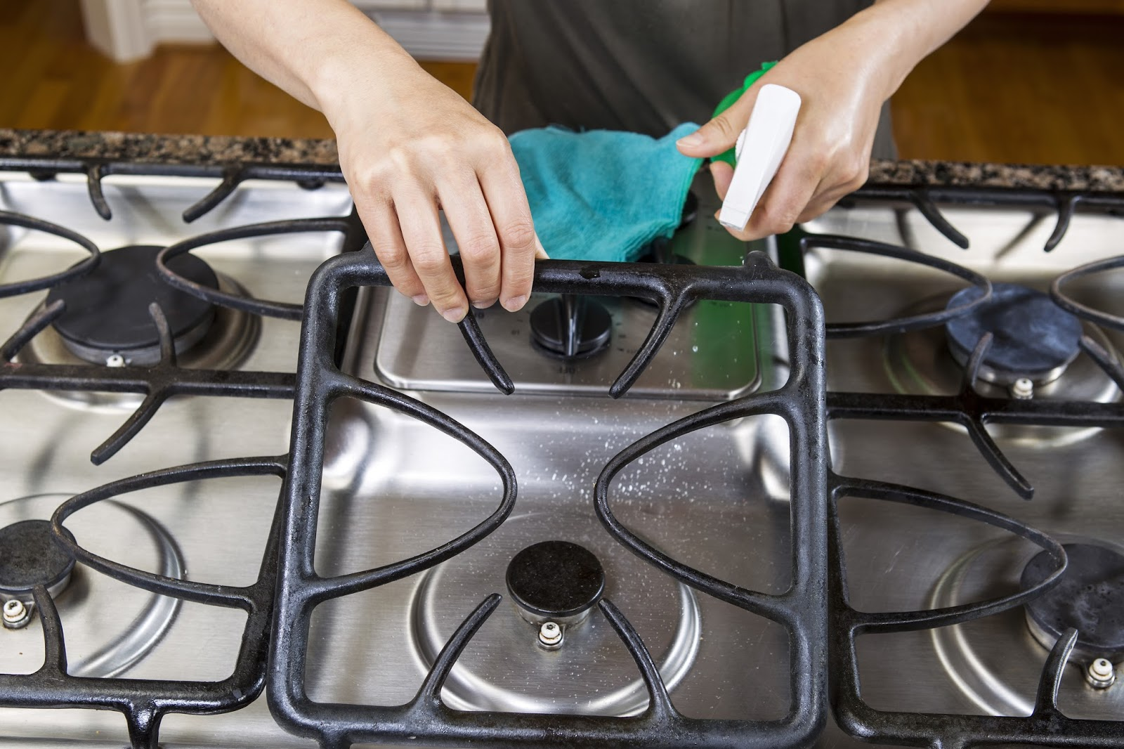 For Mothers Who Love To Cook Do Not Forget Maintain The Cleanliness Of Stove Yaa Bun Here Is A Quick And Proper Cleaning With Baking Soda