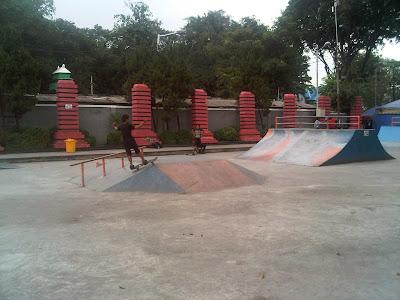 Arena Skateboard dan BMX di Taman Bungkul