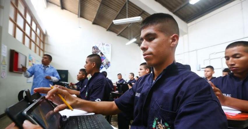 Cerca de 1,500 jóvenes del servicio militar se capacitan para ser técnicos electricistas, gracias convenio entre los Ministerios de Defensa, Energía y el SENATI