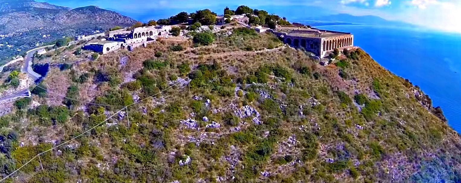 tempio giove anxur terracina.jpg
