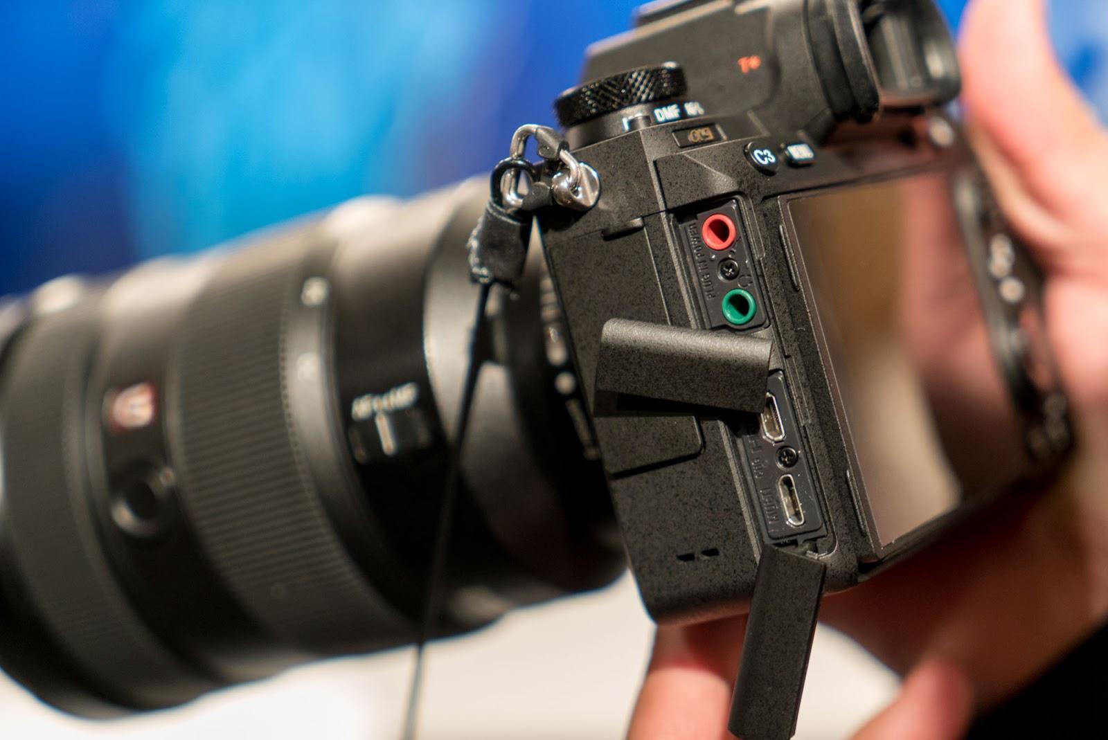 Порты для наушников, микрофона, USB и HDMI в Sony A9