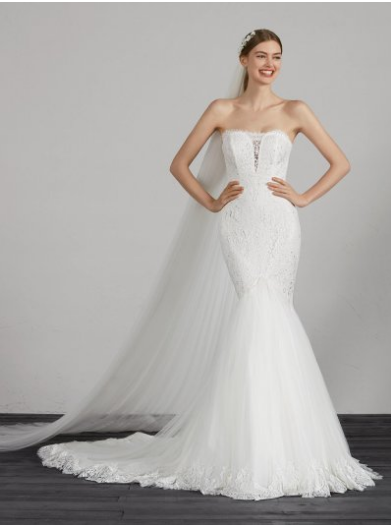 f2fbb81b51c8 1, for wedding brides generally choose to buy online. The first price is  reasonable and it is also a custom-made dress. The bride is best to wear  the same ...