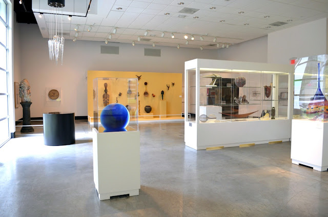 Obras de arte dentro do Lowe Art Museum em Miami