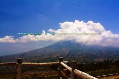 Gunung Sumbing dilihat dari Puncank Posong-Kledung