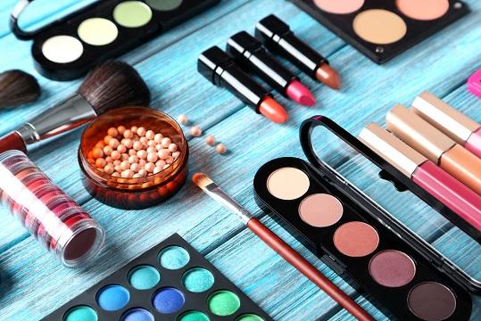 Tips Memilih Produk Kecantikan yang Tepat Berikut Ini Ingin Cantik Sempurna? Perhatikan 7 Tips Memilih Produk Kecantikan yang Tepat Berikut Ini!